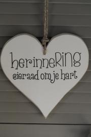 Teksthart 'Herinnering sieraad om je hart'