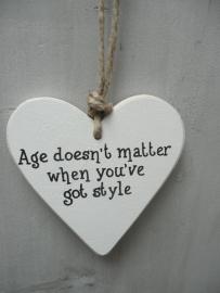 """Houten hart """"age doesn`t ...."""