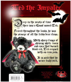 Spiral Direct Gothic Horror Vampier Knuffelbeer - Ted the Impaler - 30  cm hoog