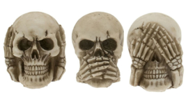 3 doodskoppen - horen zien zwijgen - 5.5 x 4.3 x 6.3 cms