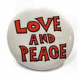 Retro button Love & Peace