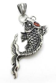 Karper zilveren vis met rood strass steen ketting 316 titanium staal 6 x 2.8 cm