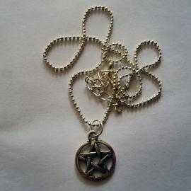 Zilveren ketting met pentagram