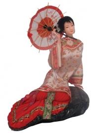 Chinese pop dame met parasol op rots 23 cm hoog