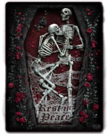 Spiral Direct - Rest in Peace - fleece deken met dessin van twee skeletten in een kist - 150 x 200 cm