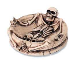 Asbak liggend skelet 14 x 14 cm