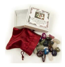 Rune Set 25 gemengde edelstenen in zakje en kadodoos