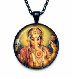 Glazen hanger met ketting Ganesha dessin 1