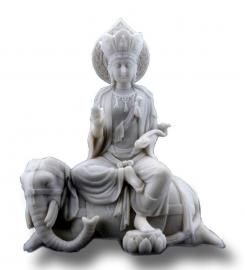 Quan Yin op olifant - alabastine - 23 cm hoog