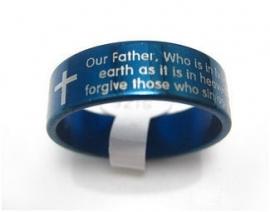 Blauwe stalen ring met Pater Noster gebed (Engels)