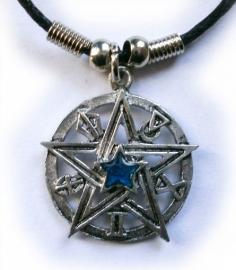 Ketting pentagram met blauw steen - 3 cm doorsnee