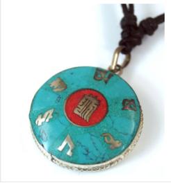 Tibetaanse nekketting religieuze symbolen - 3.5 cm doorsnee
