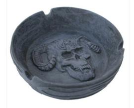Gothic asbak doodskop met horens 12 cm doorsnee