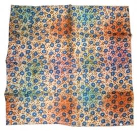 Indiase zijden sjaal met bloemetjes dessin 66 x 66 cm 10
