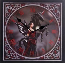 Dark fairy with unicorn wandklok 30 x 30 cm