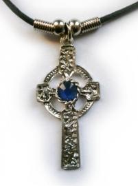 Ketting Keltisch Kruis met blauw steen - 4.5 cm hoog
