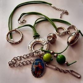 Lange groene ketting met sint