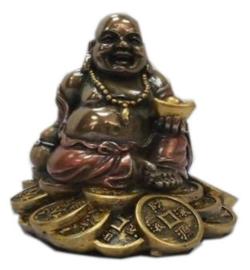 Bronskleurige Happy Boeddha op Chinese munten - 8 cm hoog