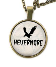 Glazen hanger met ketting Nevermore - raaf Edgar Allan Poe