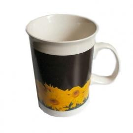 Mok zonnebloemen