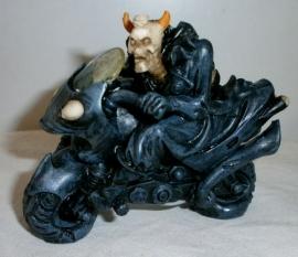 Devil Rider - skelet op motor