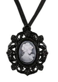 Fantasmagoria Gothic camee hanger Shadow Girl zwart 4.5 cm hoog