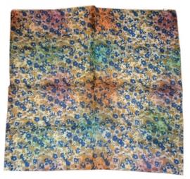 Indiase zijden sjaal met bloemetjes dessin 66 x 66 cm 9