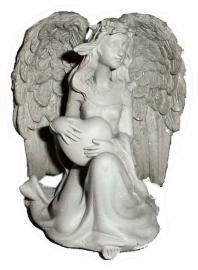 Zittende engel met hart