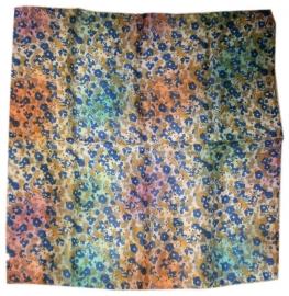 Indiase zijden sjaal met bloemetjes dessin 66 x 66 cm 1