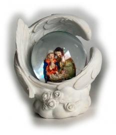 Heilige familie in waterbol met licht hg 11 cm hoog
