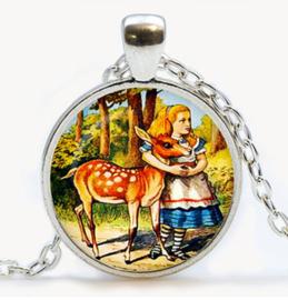 Glazen hanger met ketting Alice in Wonderland met hert