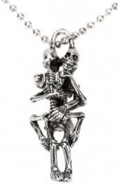 Deathly Embrace - ketting met twee skeletten