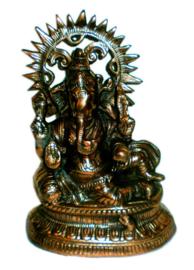 Ganesha half liggend met rat koperkleurig beeld 33 cm hoog