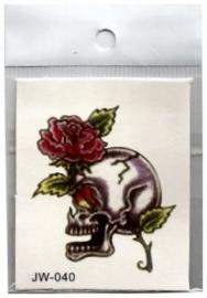 Plaktoeage rode roos met doodskop