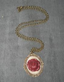 Fantasmagoria wine rose pendant 5 cm lang