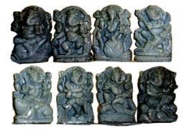 Ganesha set van 8 speksteen 4.5 x 7 cm