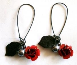 Dead Roses Gothic oorbellen