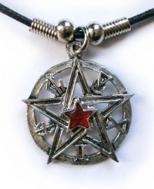Ketting pentagram met rood steen - 3 cm doorsnee