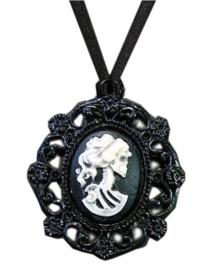 Fantasmagoria Dead Girl pendant - hanger met camee en doodskop