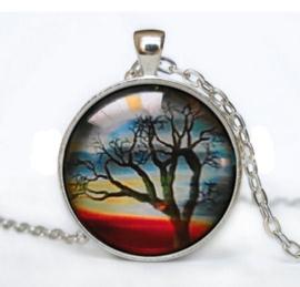 Glazen hanger met ketting Regenboog Levensboom  2