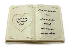 Grafsteen herdenkingspeeld kat in de vorm van een boek