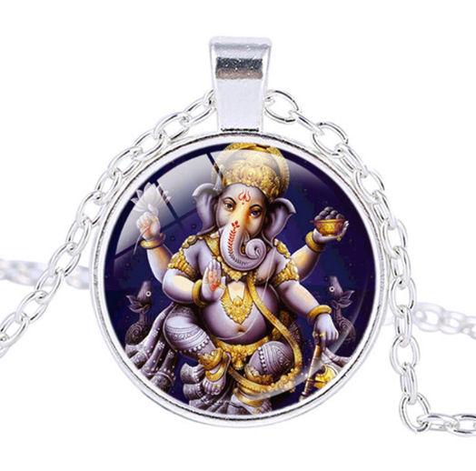 Glazen hanger met ketting Ganesha dessin 12