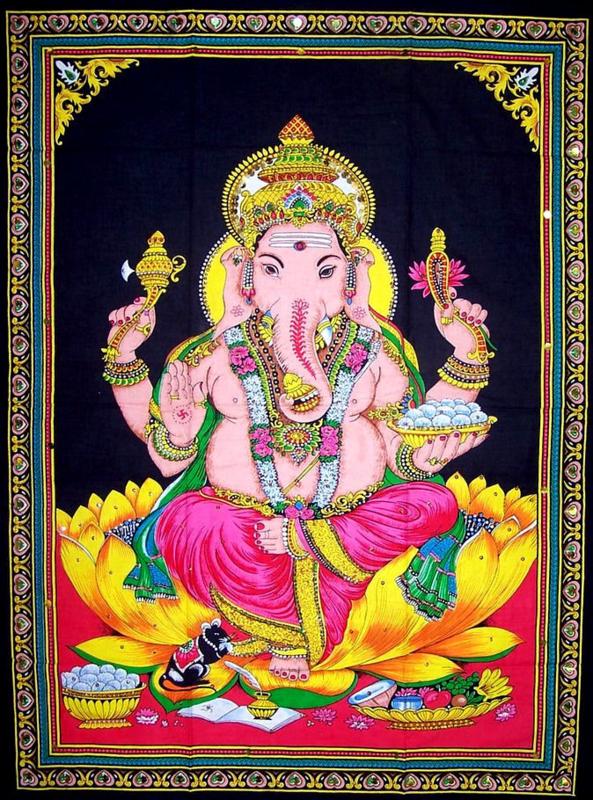 Muurkleed Ganesha op gele lotus - c.a. 80 x 110 cm