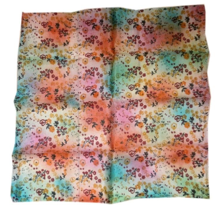 Indiase zijden sjaal met bloemetjes dessin 66 x 66 cm 3