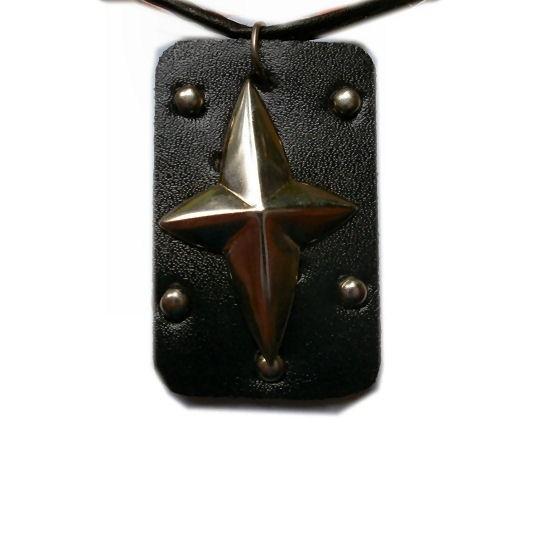 Pewter hanger kruis op leer