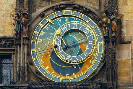 Praag Astronomische Klok (Orloj) in het Oude Stadsplein fotograaf Volha Kavalenkava.jpg