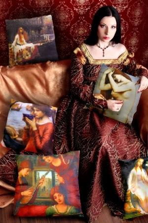dame italiaanse jurk met kunst kussens.jpg