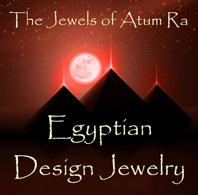 egyptische pyramieden met zon.jpg