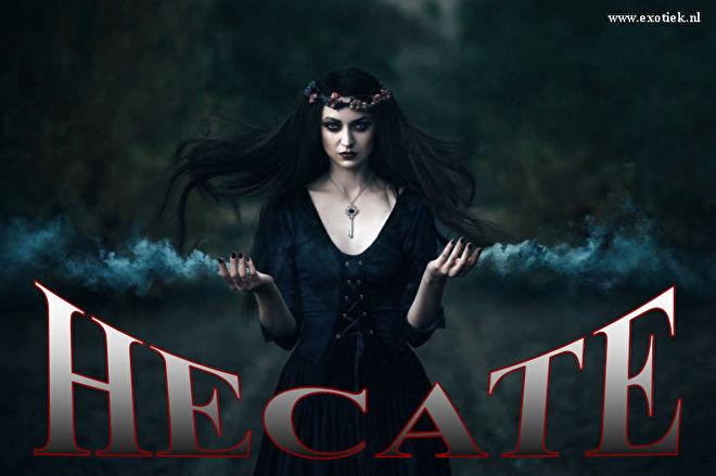 hecate godin van de nacht spoken occult necromancy.jpg