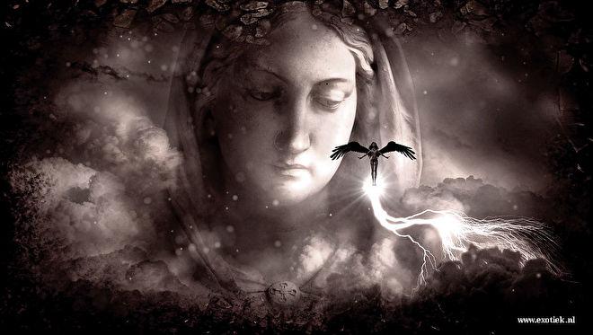 maria met kleine engel.jpg